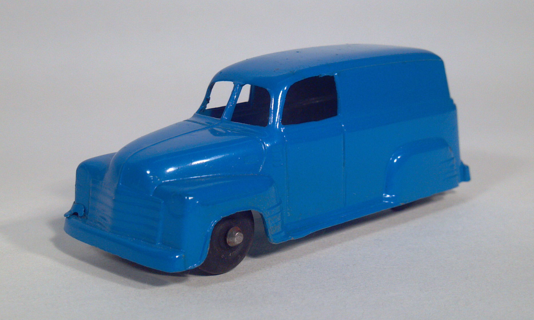 Post War Tootsietoy Diecast Toy Vehicles Scale Models Cars Trucks 1949 Chevy Panel Van Vans Missing