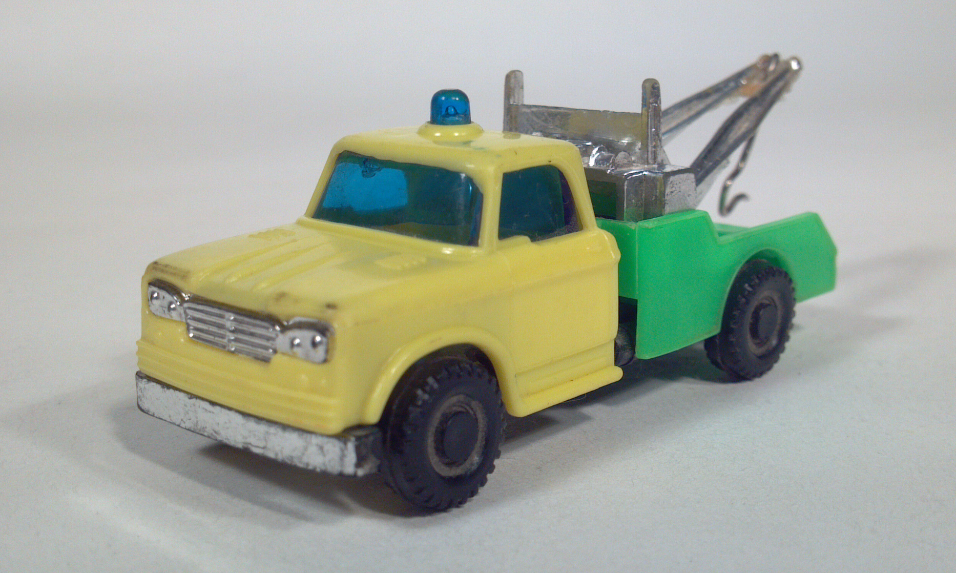 Toy Tow Truck Model 16
