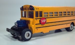 international model 1853 school bus die cast scale model